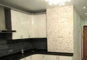 Камень литой из гипса на кухне